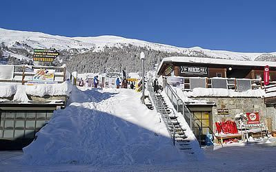 View of the San Rocco ski rental in Livigno from the outside